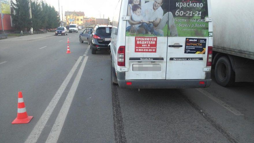 В Твери водитель маршрутки устроил ДТП