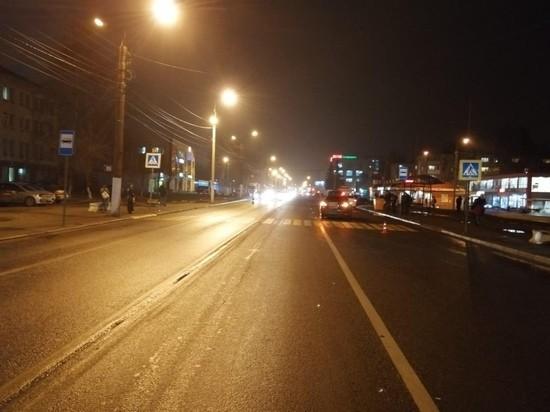 В Твери на пешеходном переходе сбили молодую женщину