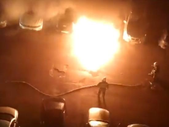 Огненный «Ягуар»: в Тверской области  тушили иномарку премиум-класса