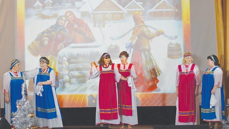 Жители Жарковского района насладились душевными песнями на концерте «Окрылённые песней»