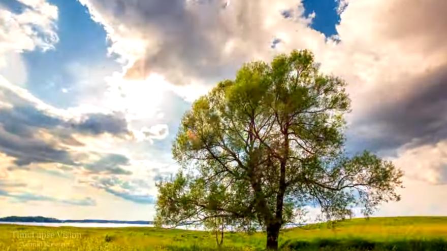 Житель Вышнего Волочка опубликовал красивейшее таймлапс-видео родного города