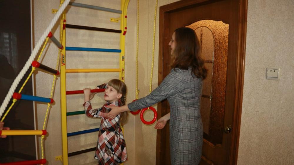 Таисия Тихомирова из Твери получила в подарок детский спортивный комплекс