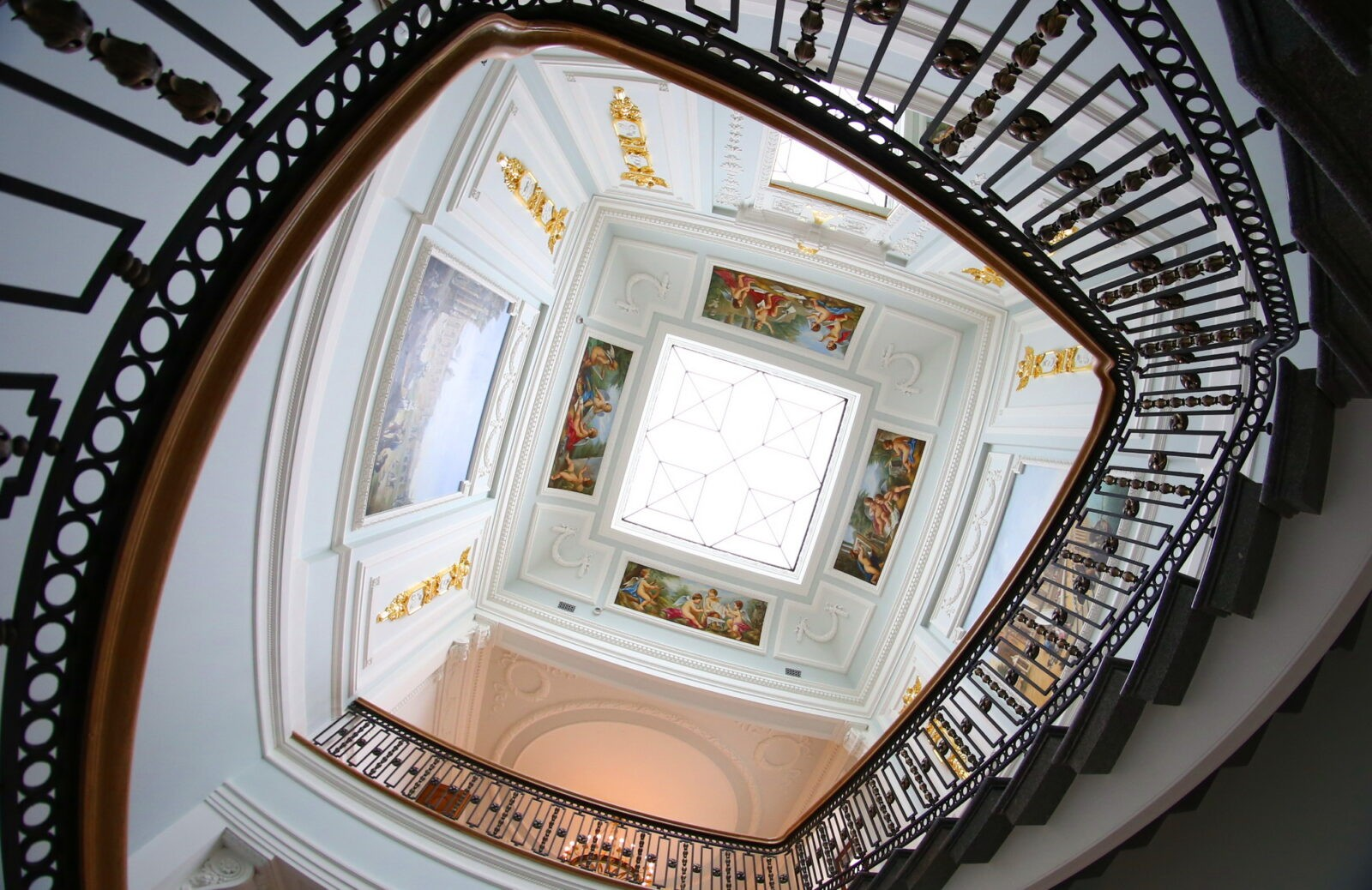 Тверской императорский  дворец приглашает отметить День российского студенчества