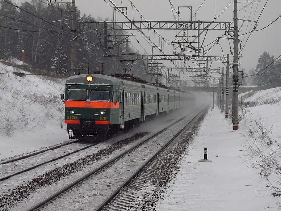 В Тверской области поезд насмерть сбил человека