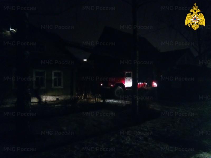 В Твери из двухэтажного жилого дома ночью эвакуировали жильцов