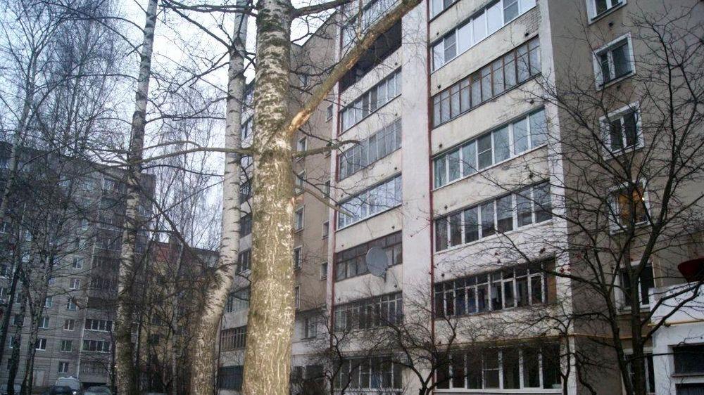 В подъезде дома на улице Благоева в Твери обнаружено тело убитой женщины
