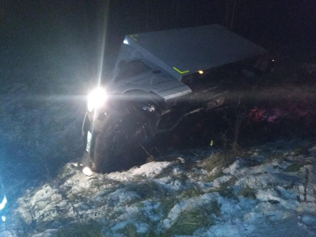 Трезвый водитель фуры съехал в кювет и скончался до приезда медиков