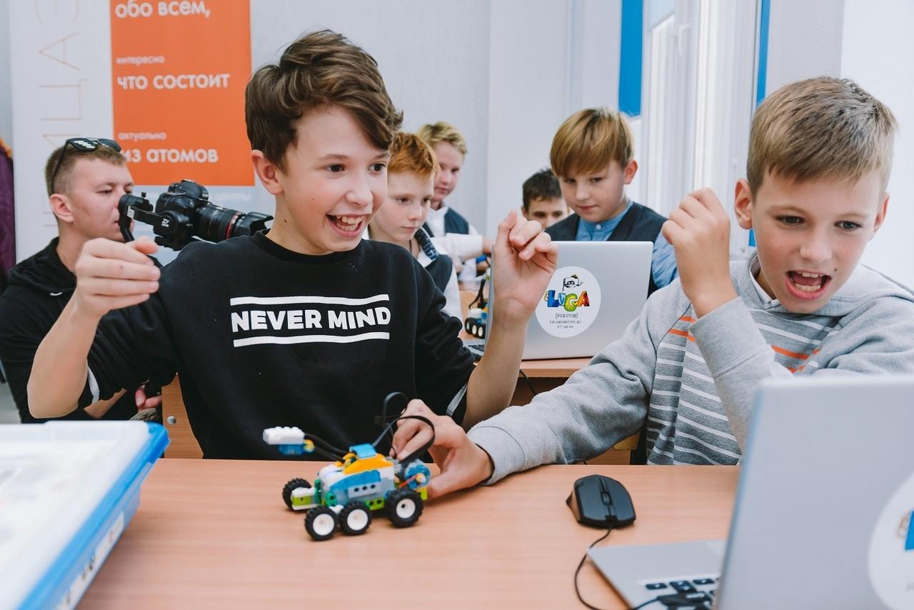 Тверские школьники смогут бесплатно собрать и оживить роботов