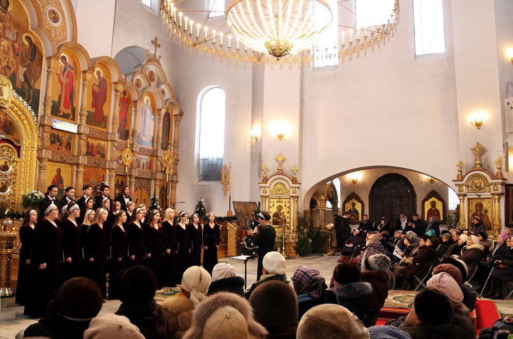 В Твери проходит Рождественский фестиваль «С верой в III тысячелетие»
