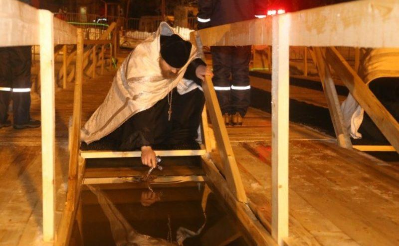 Сотрудники ГИМС напомнили о безопасности во время Крещенских купаний