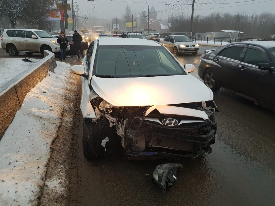 В Твери невиновный водитель пострадал в ДТП