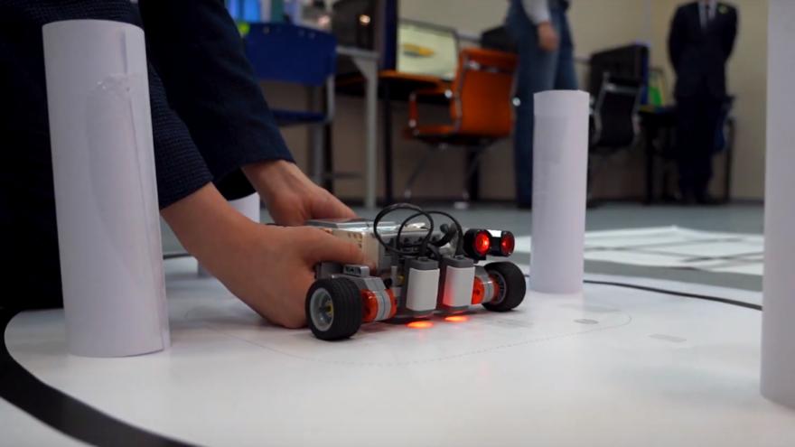 В Твери открылась первая школьная лаборатория прототипирования и программирования