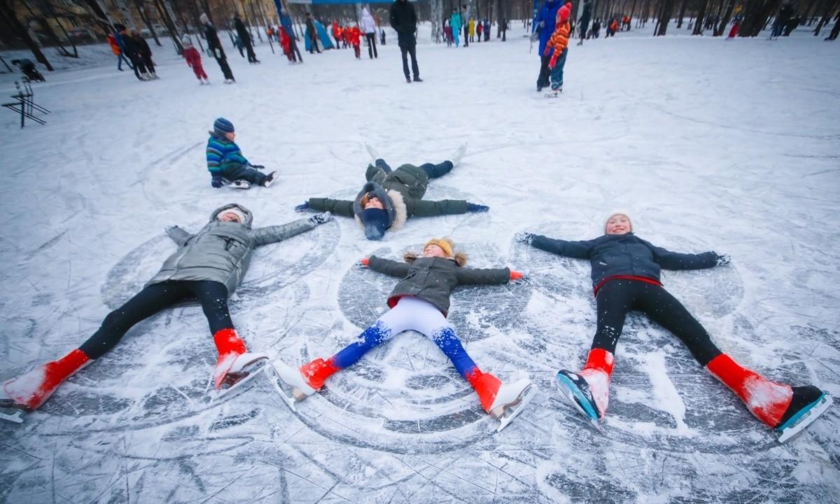 Семьи в Тверской области смогут бесплатно ходить на катки и в музеи
