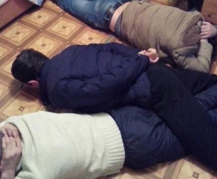 Друзья устроили в Твери притон для наркоманов