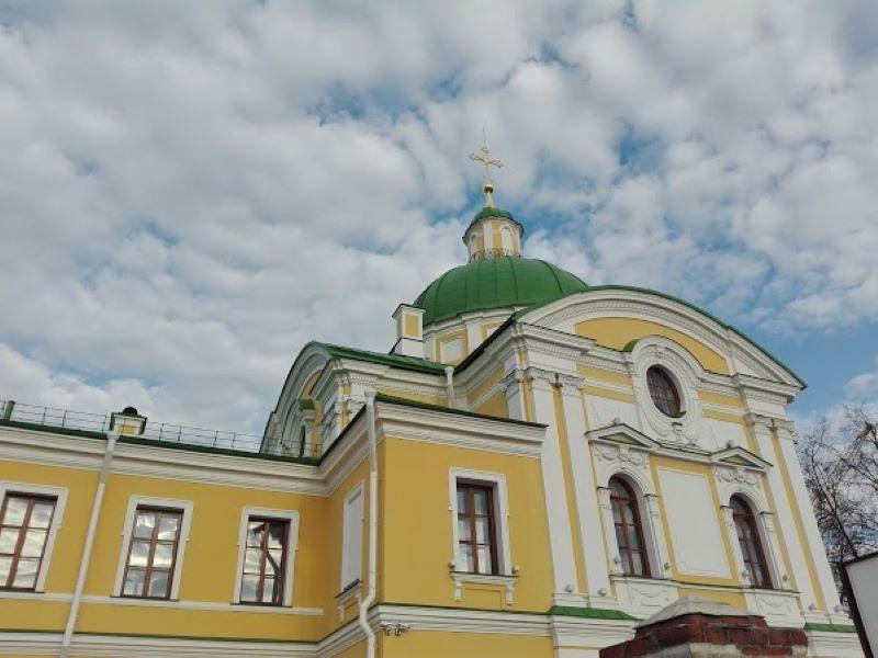 Жителей Твери приглашают посетить фондохранилища областной картинной галереи