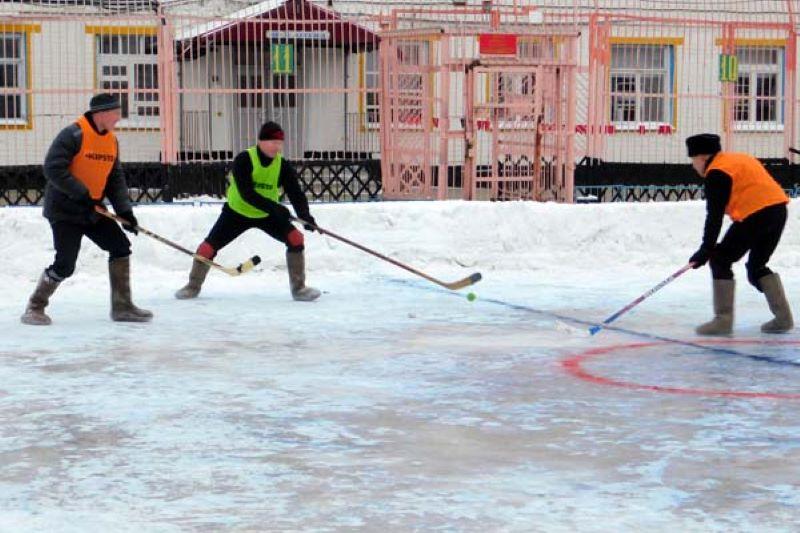 Среди осужденных Тверской области прошел турнир по хокею на валенках