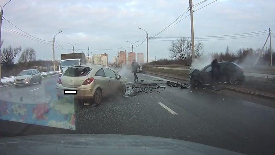 Появилось видео момента смертельной аварии на улице Красина в Твери