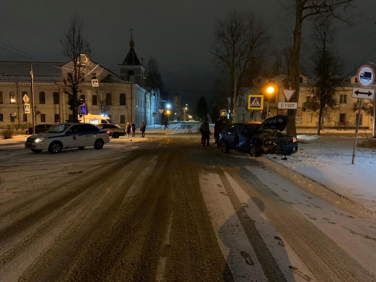 В ДТП во Ржеве пострадал 20-летний водитель