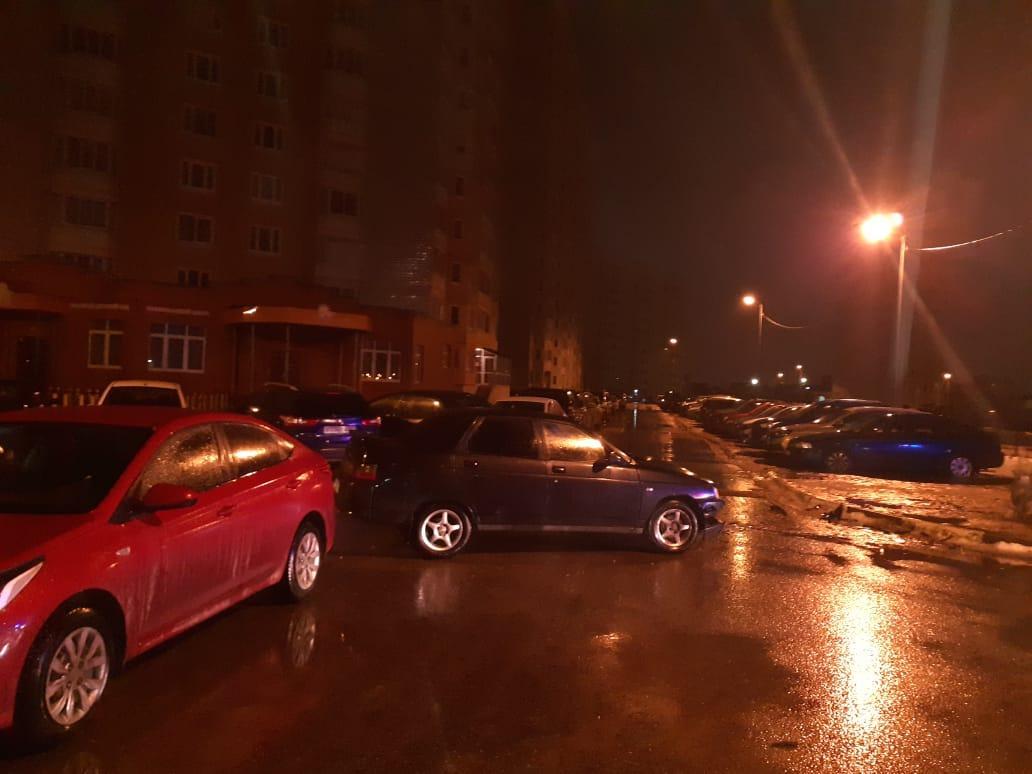 В Твери водитель получил травмы после столкновения трёх автомобилей