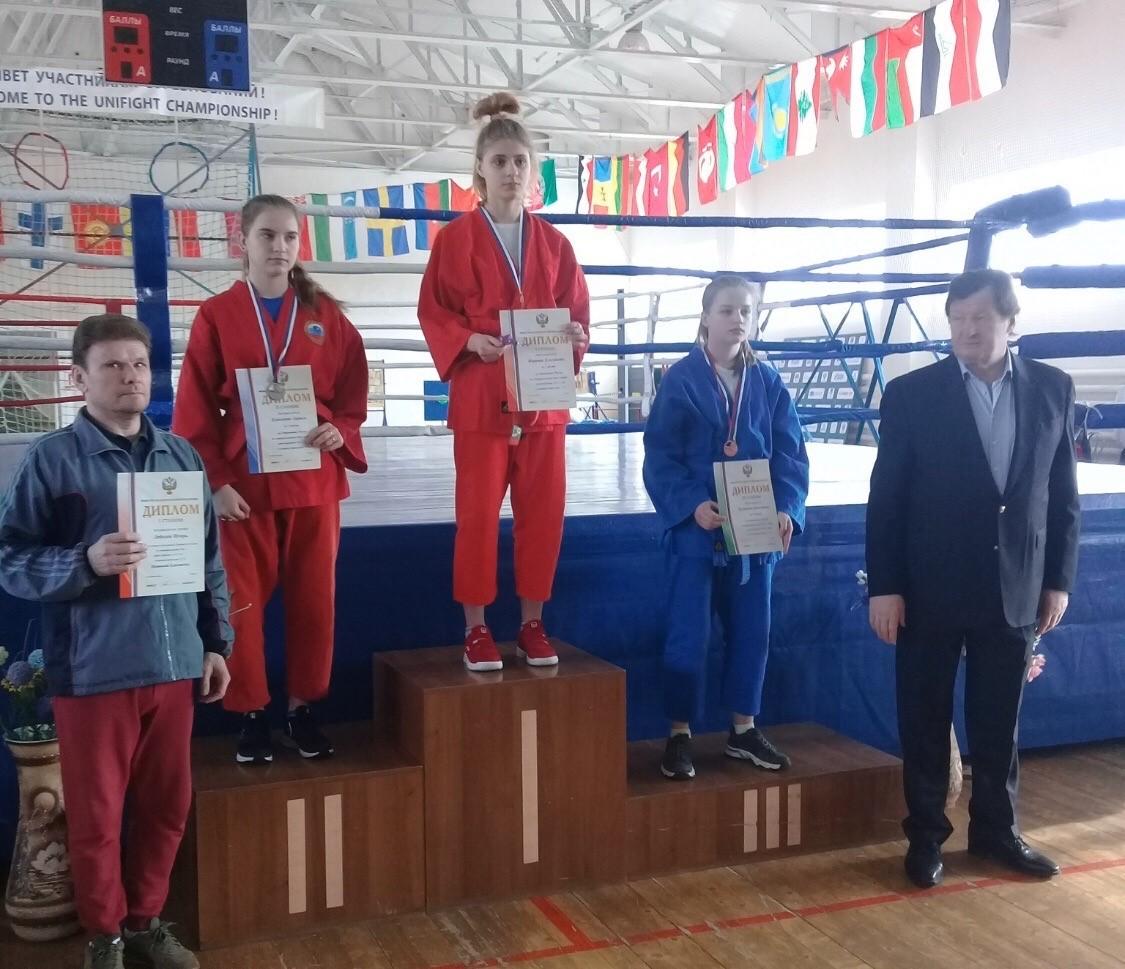 Спортсменка из Редкино достойно выступила на Первенстве России по универсальному бою