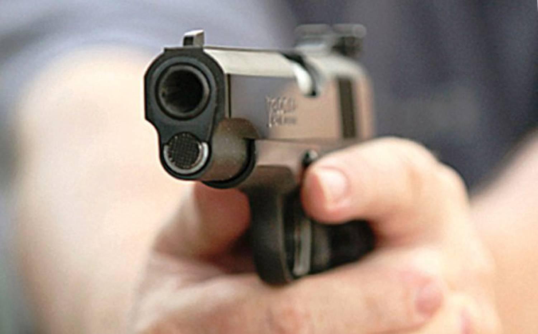 В Тверской области охранника лишили свободы за то, что он угрожал водителю пистолетом и палкой
