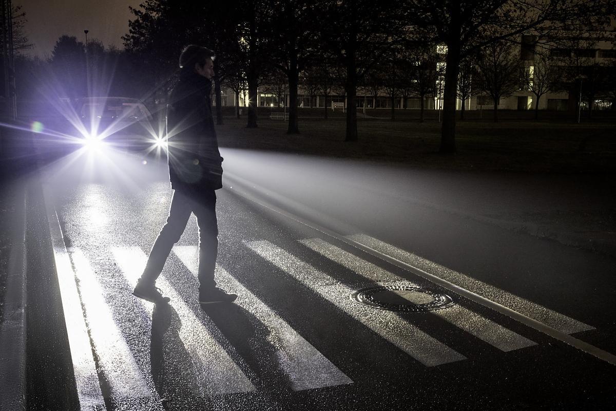 В Твери на Октябрьском проспекте сбили пешехода в темной одежде