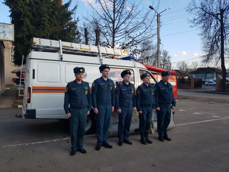 В Тверской области спасли женщину, упавшую с моста в реку