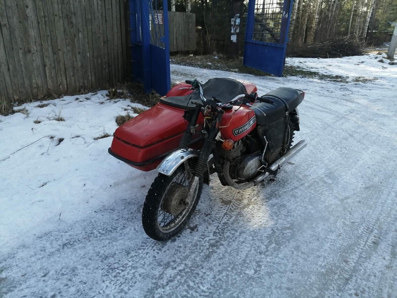 Житель Твери без прав катался на мотоцикле с коляской