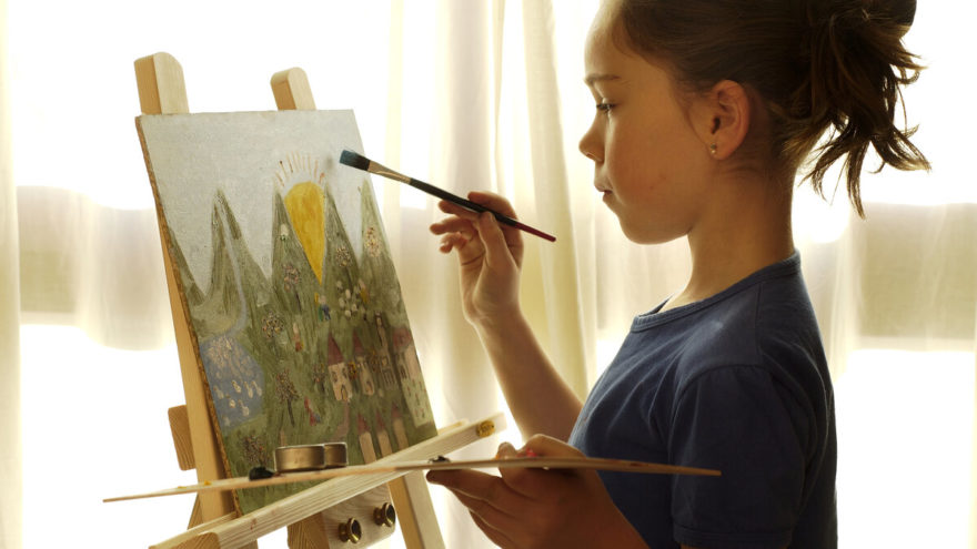 В Твери художники помогут больным детям