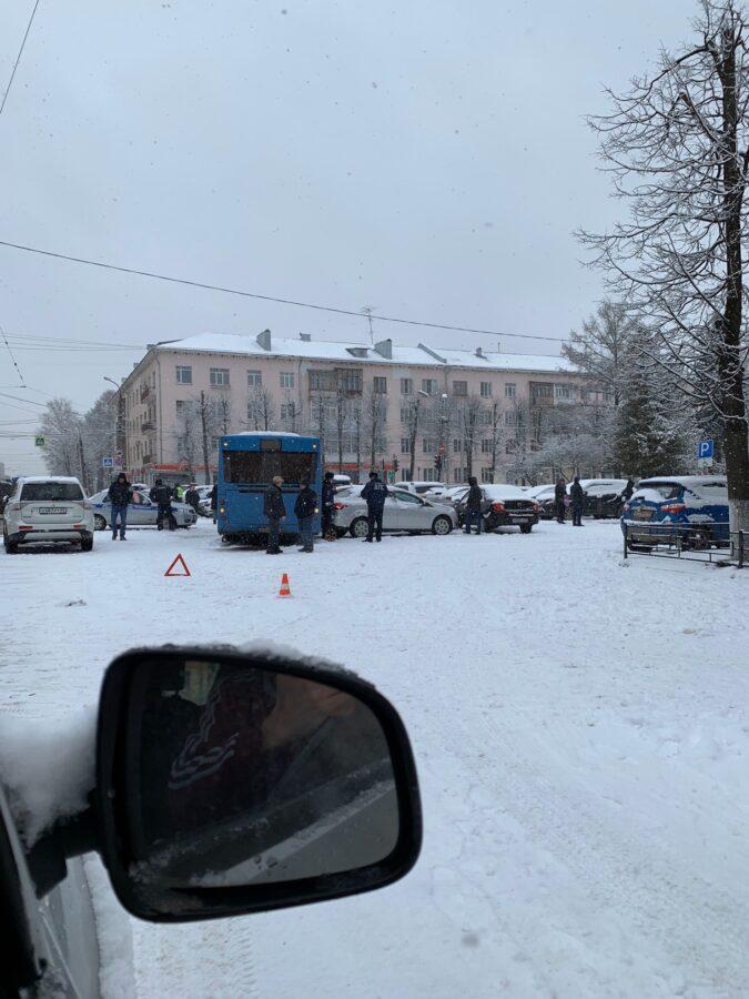 Опубликованы фото с места массового ДТП с участием тверского автобуса