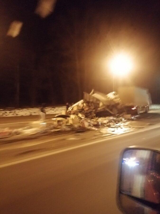 Опубликовано видео последствий страшного ДТП в Тверской области
