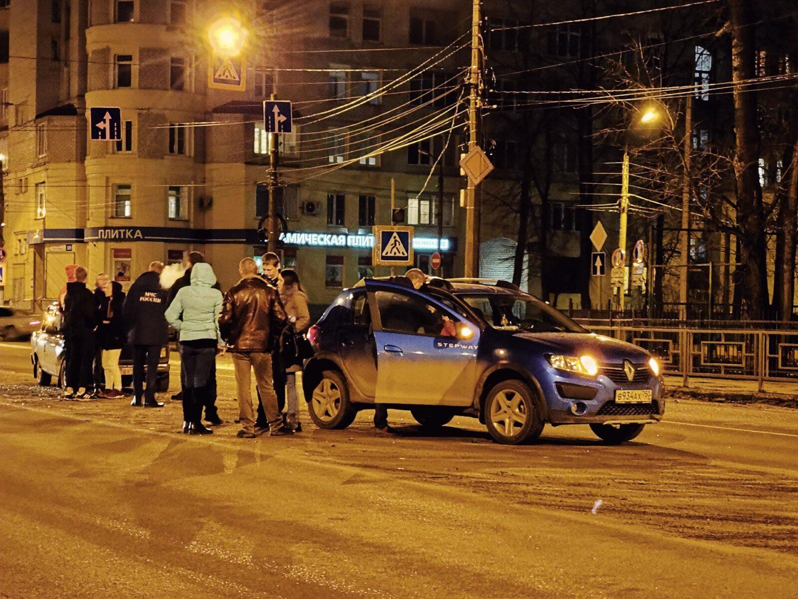 На улице Благоева в Твери произошло ДТП, есть пострадавший