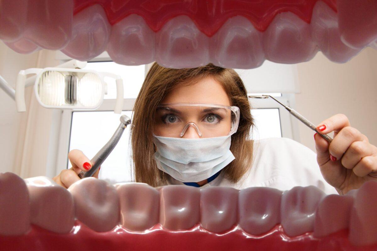В Тверской области рассказали, где можно экстренно вылечить зубы