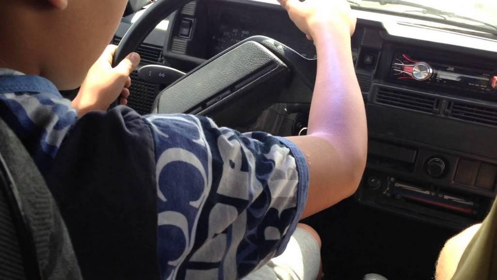 Под Тверью полицейские гнались за несовершеннолетним водителем ВАЗа