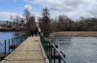 В Тверской области женщина упала с моста и погибла