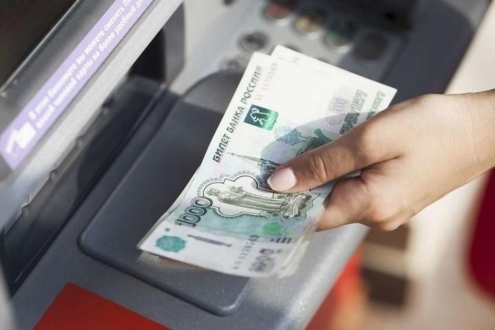 Жительница Тверской области украла деньги у доверчивого собутыльника