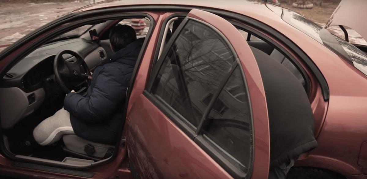 Многодетная семья из Тверской области получила в подарок от блогеров автомобиль