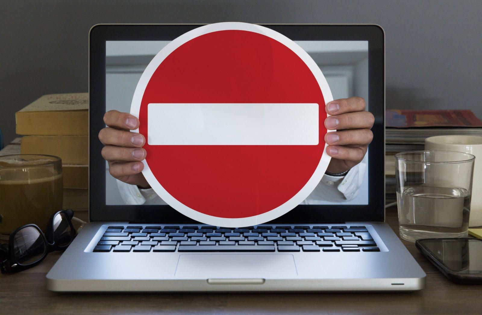 Сайт, где продавали медсправки, заблокировал суд Тверской области