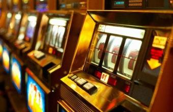 Организатора подпольного казино в Твери будут судить за взятку