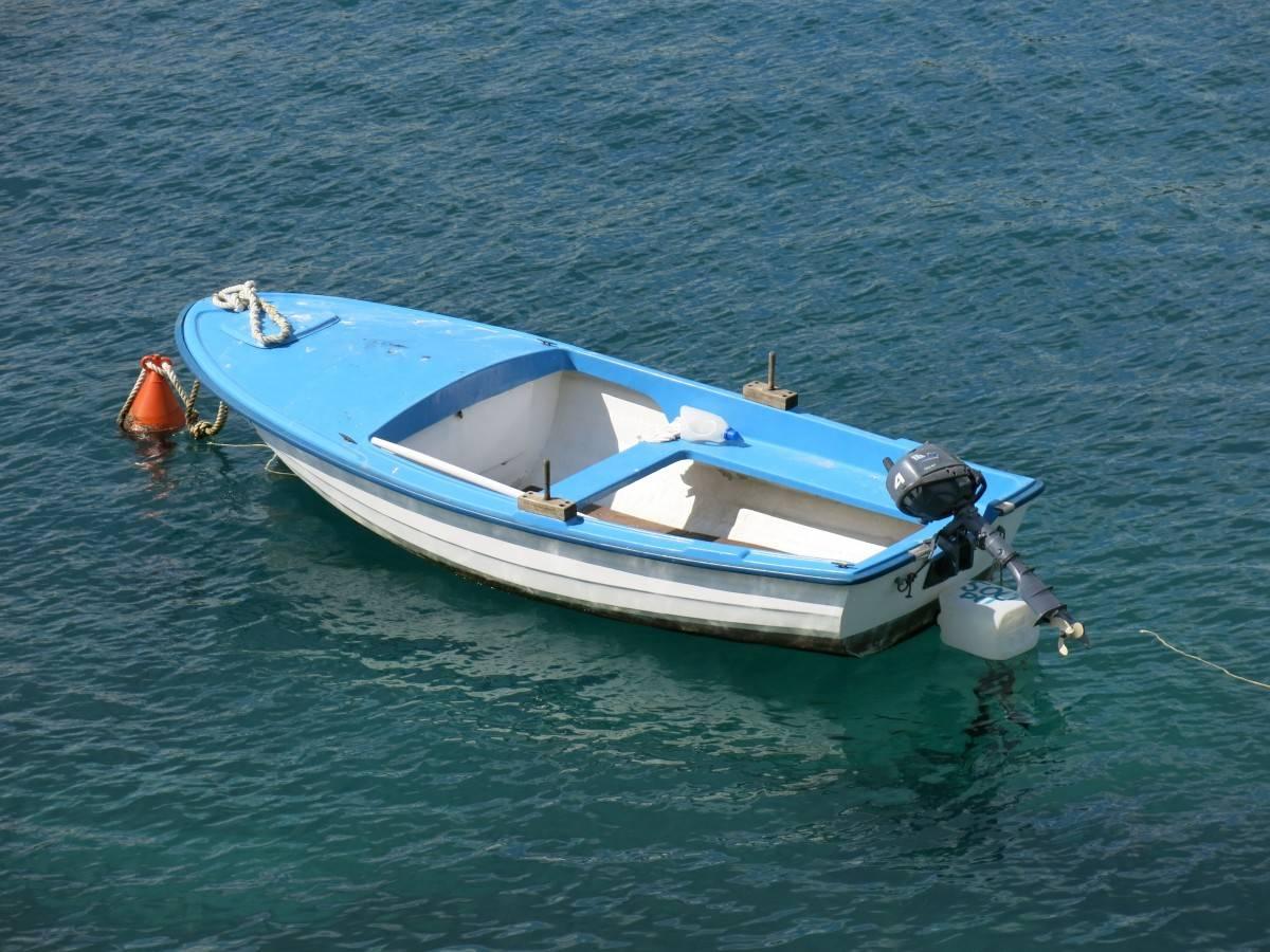 Пьяный житель Тверской области угнал у знакомого моторную лодку