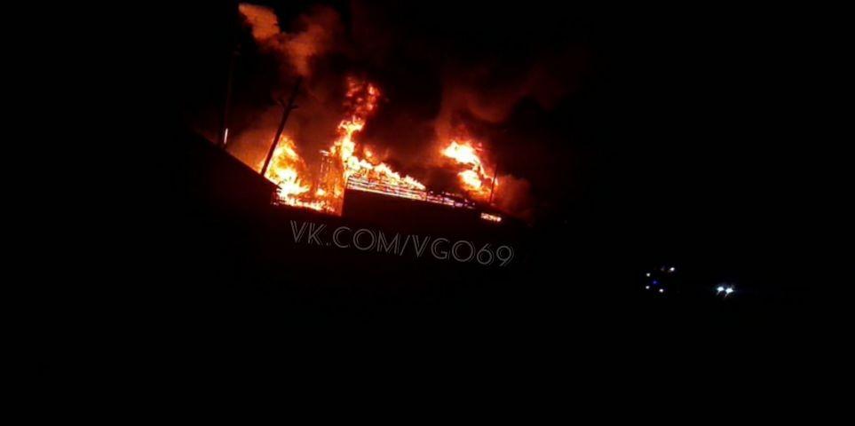 Ночью в Тверской области горела пилорама