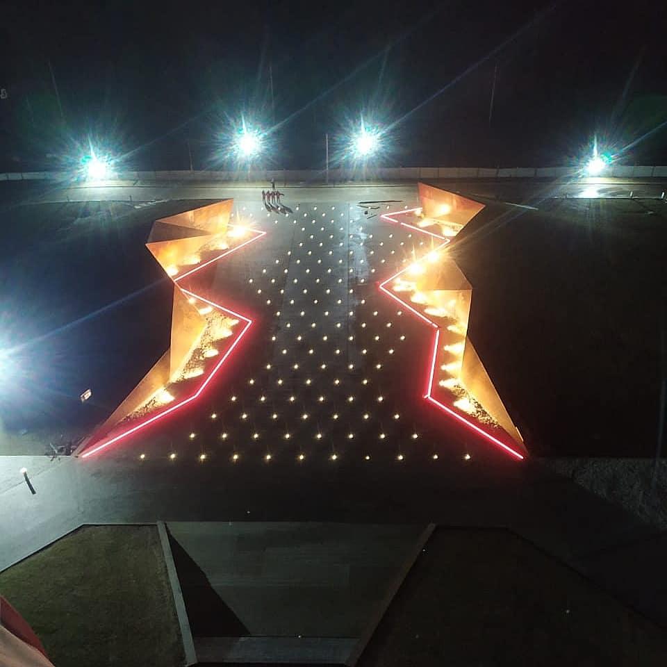 Опубликованы фото ночной подсветки Ржевского мемориала в Тверской области