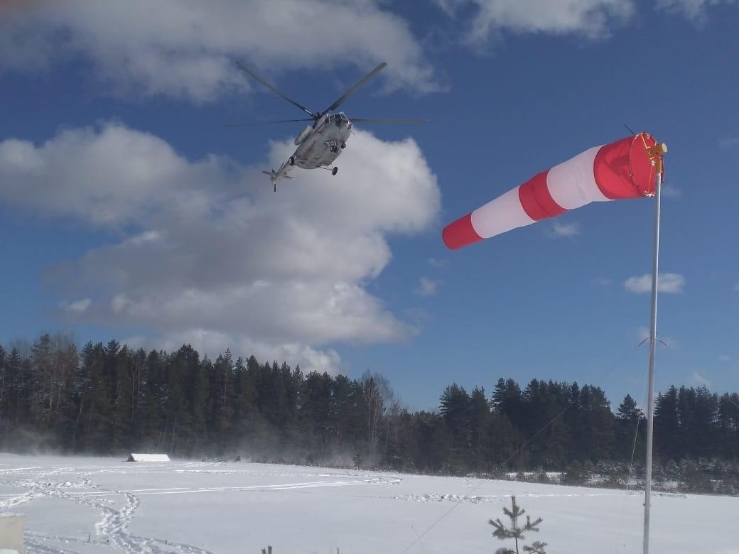 Вертолет МЧС вылетал в Осташков Тверской области за пациентом