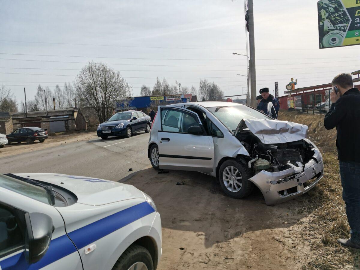 Пьяный водитель в Тверской области протаранил внедорожник на городской улице