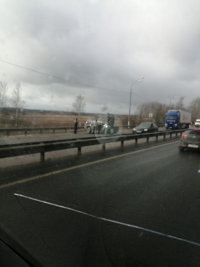 От столкновения с КАМАЗом в Тверской области погиб водитель внедорожника