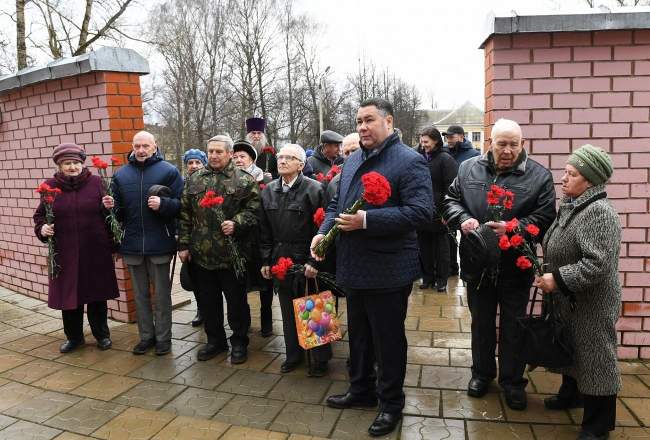 От ветеранов - к многодетным: Игорь Руденя весь день проведет в Торжке