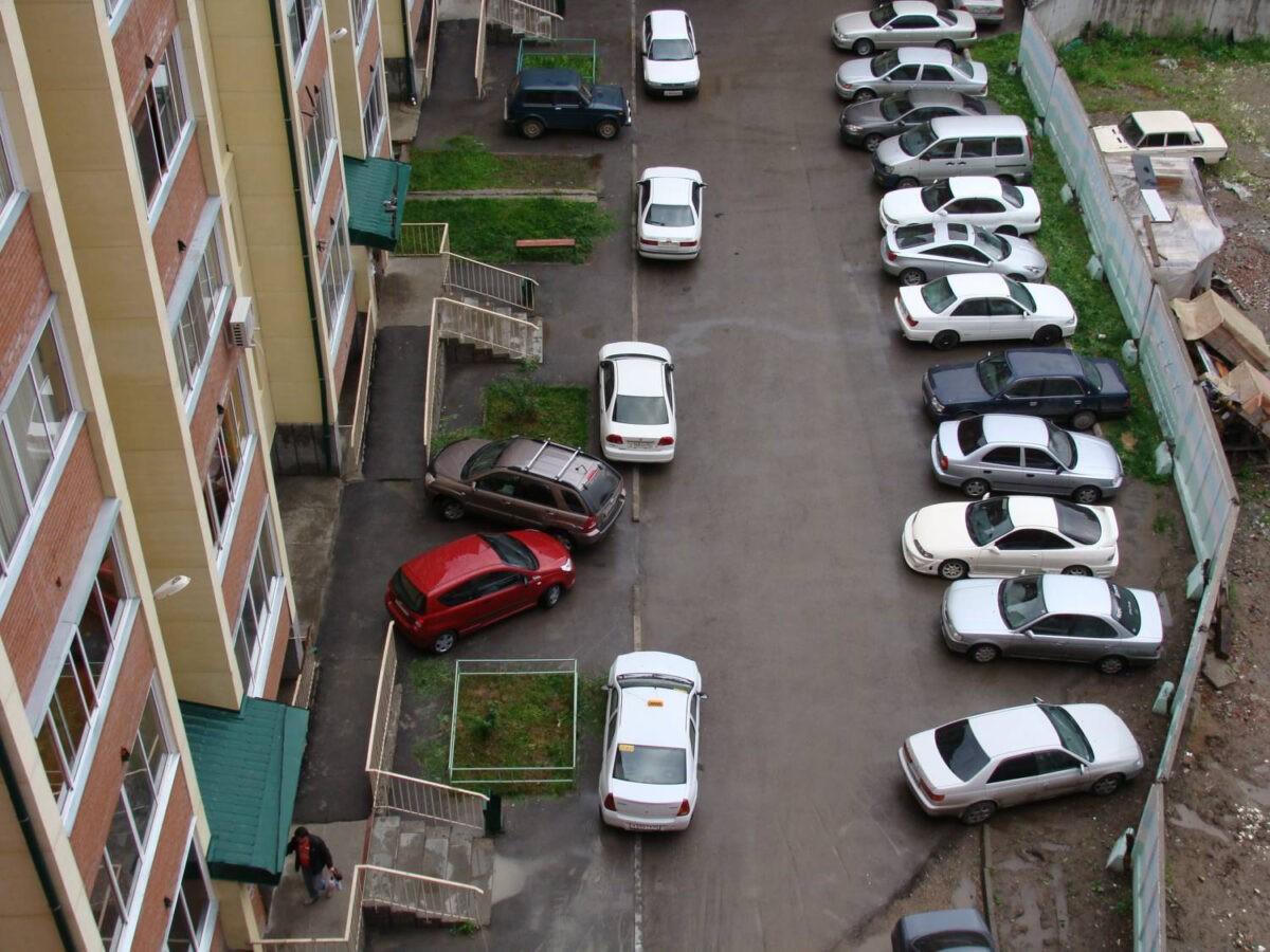 23-летний житель Тверской области украл из автомобиля односельчанки аккумулятор