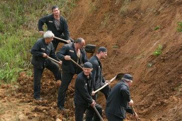 Трех осужденных в Тверской области отпустили из колонии строгого режима