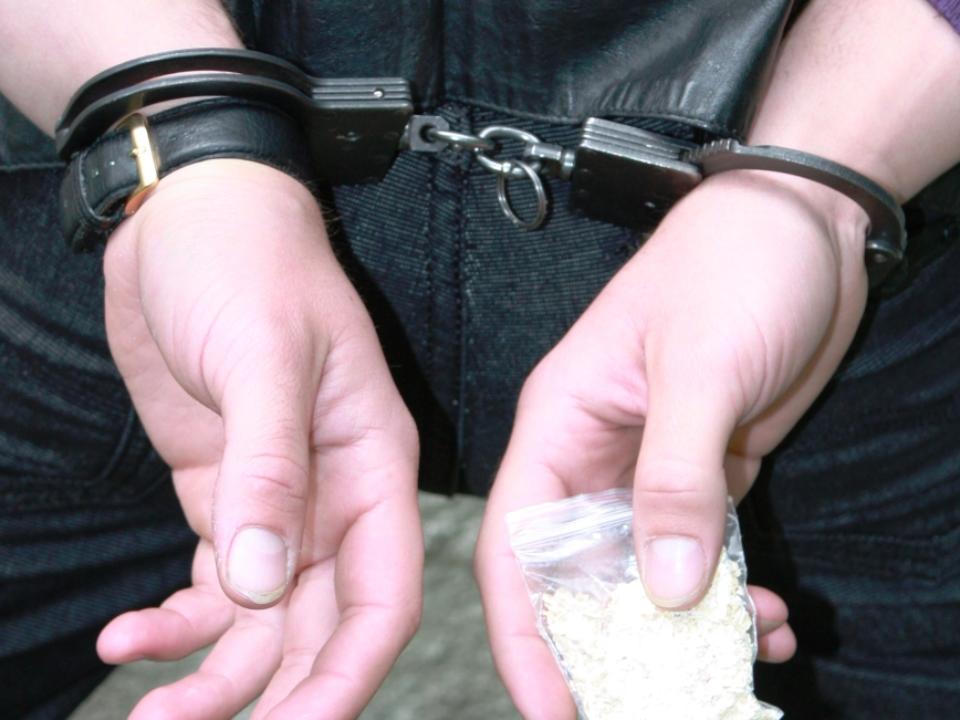 В Твери задержали молодого сбытчика наркотиков с героином