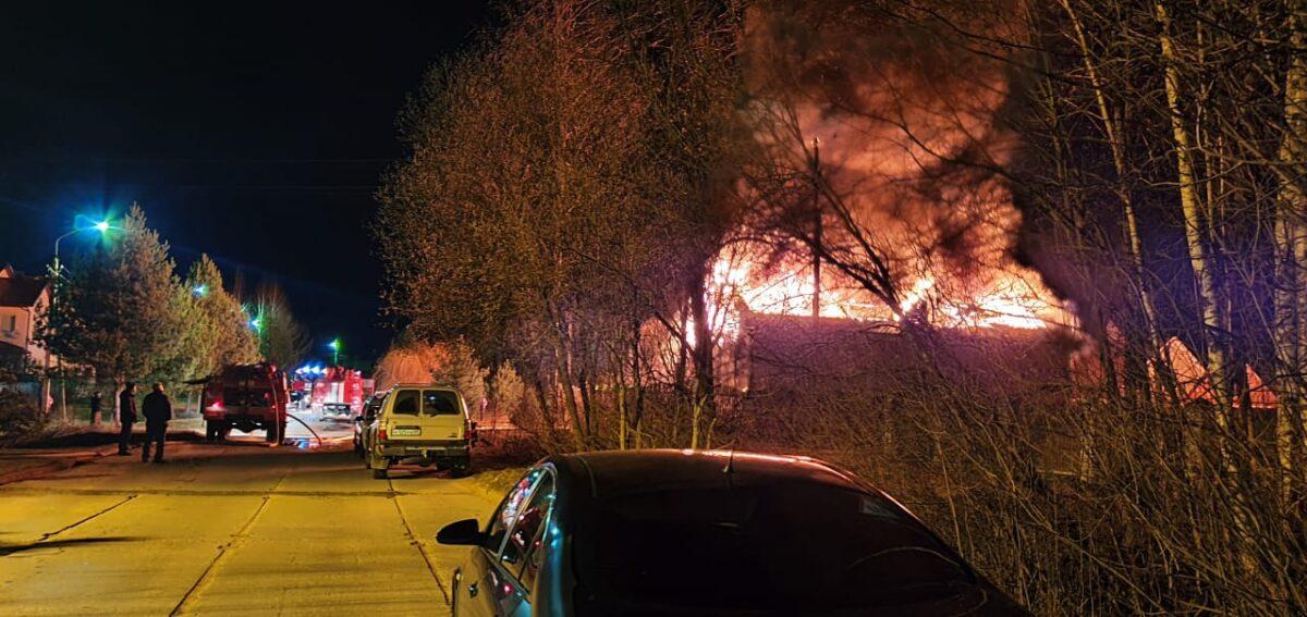 В Конаково пожар не могли потушить шесть часов